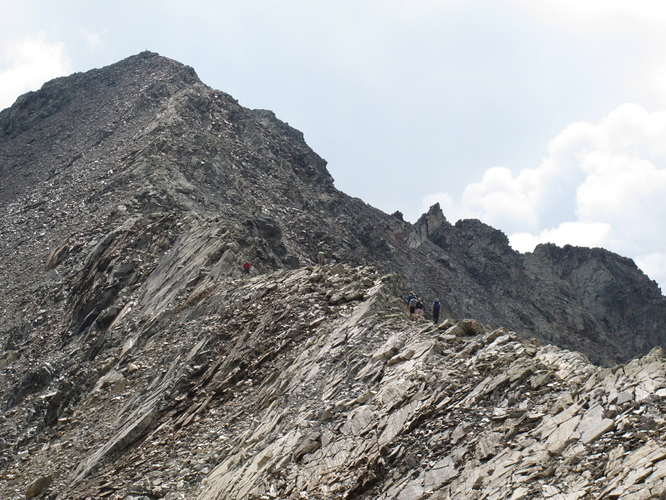 Looking back on the way down, people on the ridge, good to get an idea of scaling