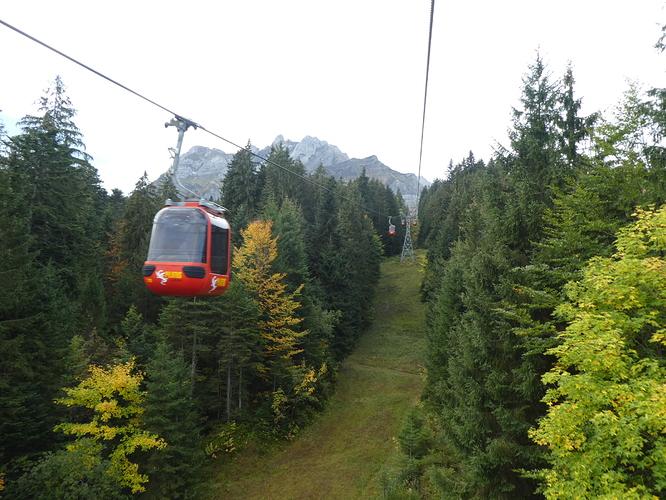 Pilatus_view_from_the_gondola_2