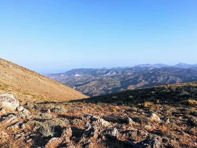Looking towards Sierra de Huétor on the final push