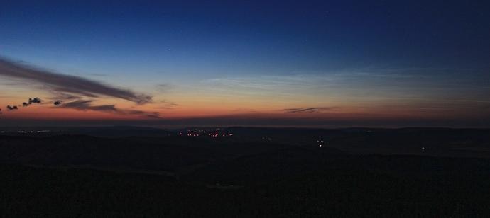 noctilucent_clouds_sunset
