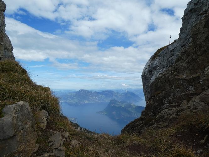 Pilatus_Matthorn_trail_outlook