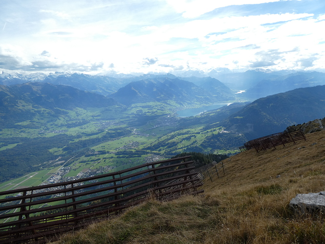 Pilatus_Matthorn_summit_view_2