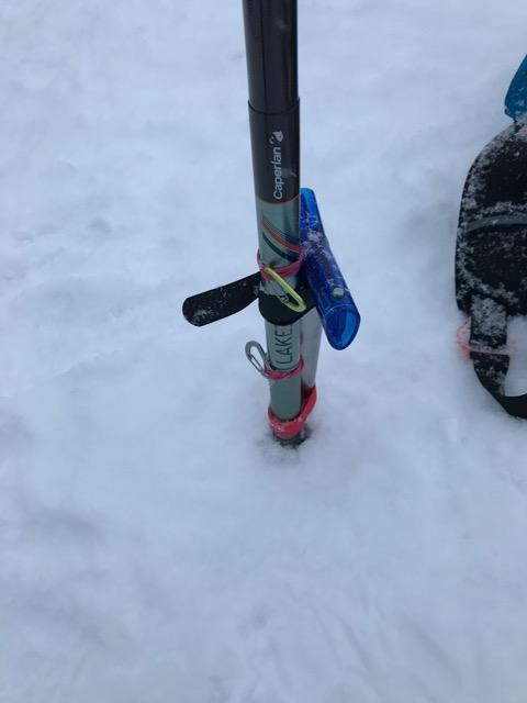 antenna-mount-on-avalanche-shovel